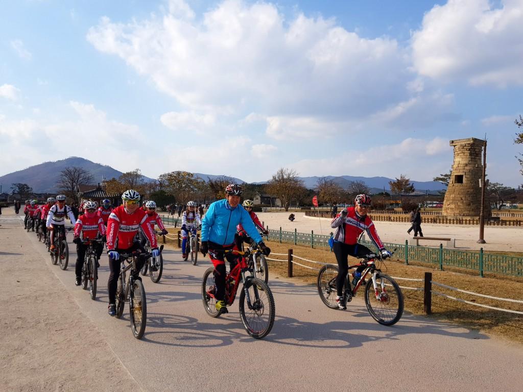 10. 전국 자전거 유적지 답사 라이딩 실시, 아름다운 경주 홍보 (첨성대2)