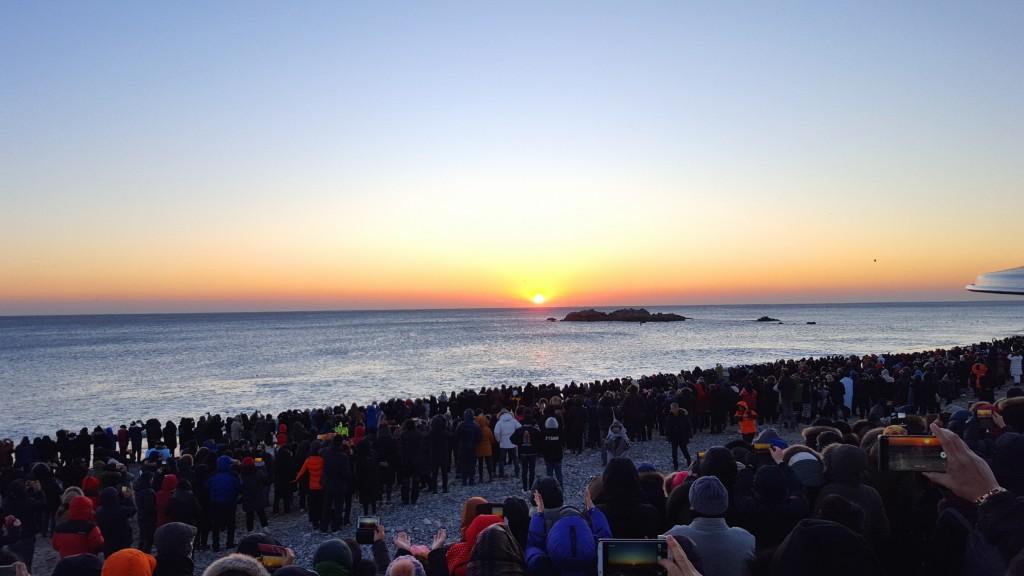 2. 경주 동해안 해맞이 인파 인산인해(문무대왕암) (2)